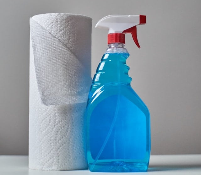 Paper towel with spray bottle